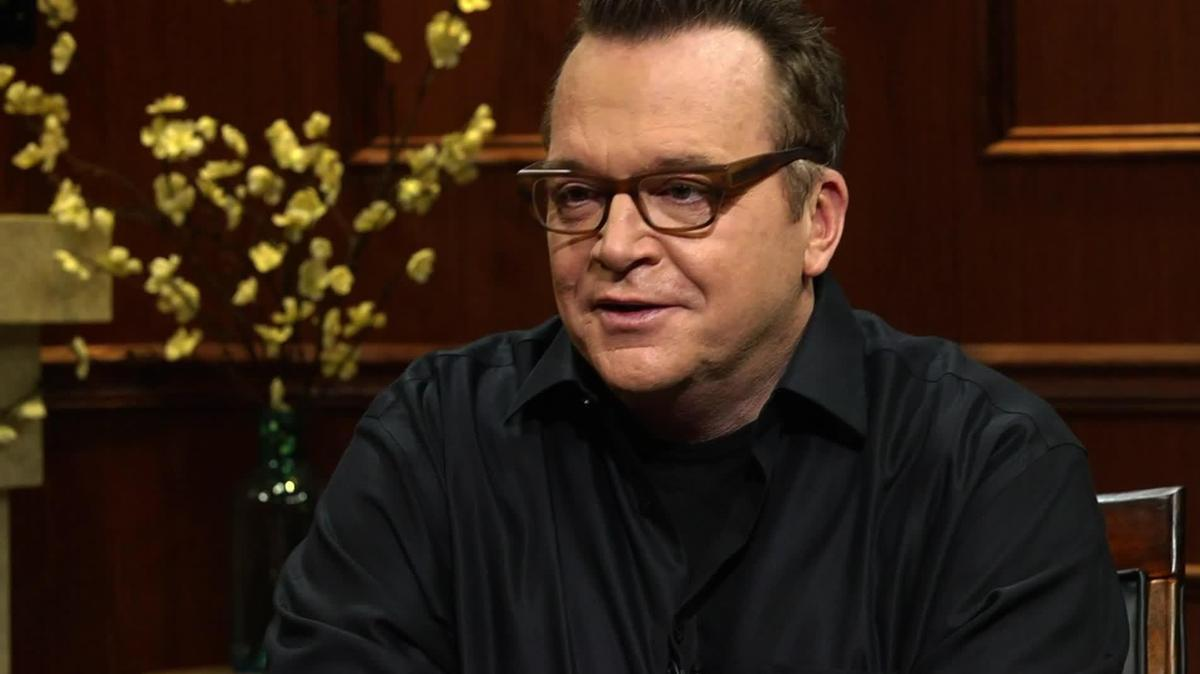 Tom Arnold (actor) Actor Tom Arnold talks to