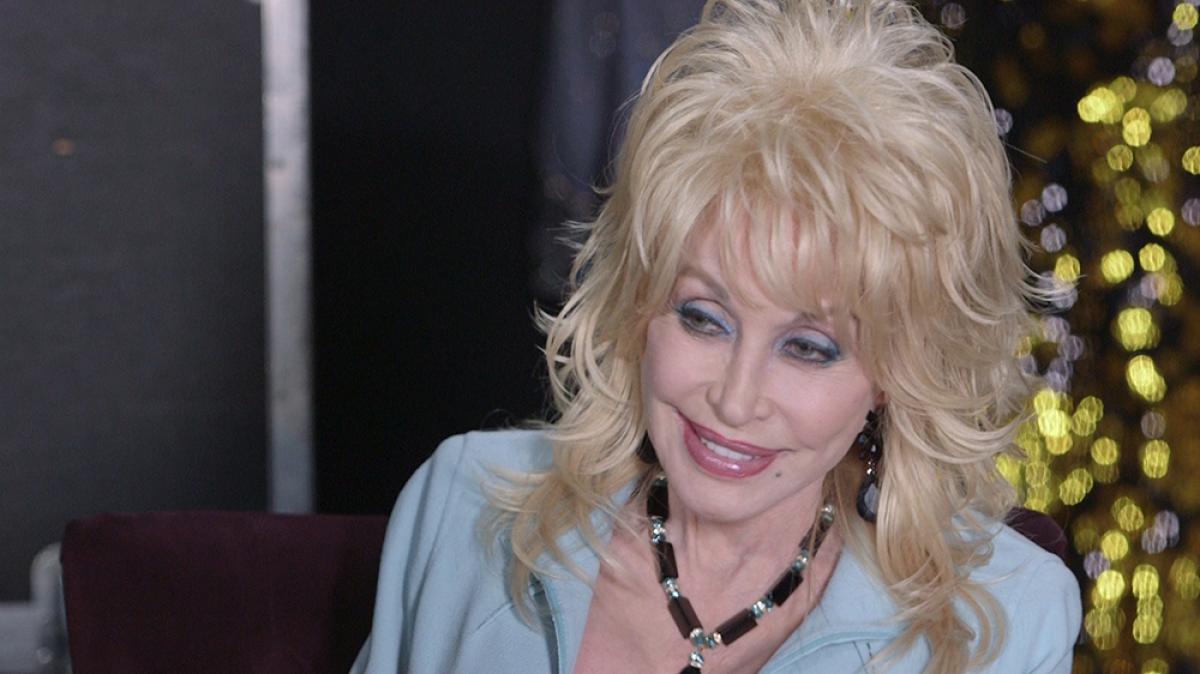 Dolly Partons Strangest Fan Encounter Larry King Now