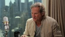 Big Lebowski Sequel & Working With Family: Jeff Bridges Answers Social Media Questions