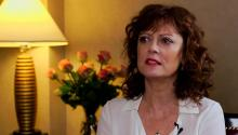 Actress Susan Sarandon talks to Larry King about politics, dating, & answers acting questions