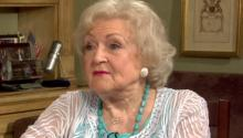 Betty White wants Larry King to host SNL