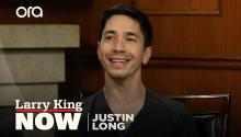"""I take a big mouthful of oatmeal"": Justin Long recalls pranking Bruce Willis"
