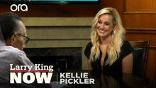Kellie Pickler on Hallmark film 'The Mistletoe Secret', new album, & 'Pickler & Ben'