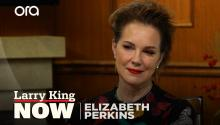 Elizabeth Perkins on 'Truth Be Told', 'The Moodys', & roles for older women