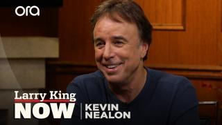 "Kevin Nealon praises ""accomplished"" 'Man With a Plan' co"
